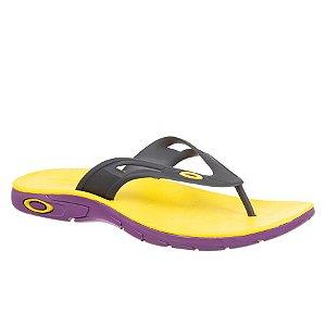 Chinelo Oakley Rest 2.0 - Amarelo/Roxo