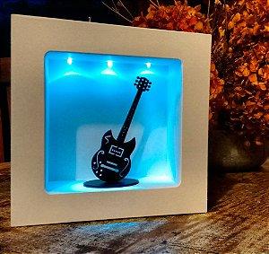 Guitarra com nicho iluminado com leds