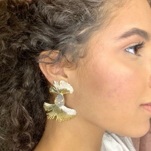 Brinco Folhagens Metal White Opal