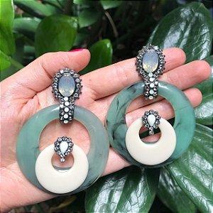Brinco Resina Círculos com Pino Strass e Pedras Verde Rajado