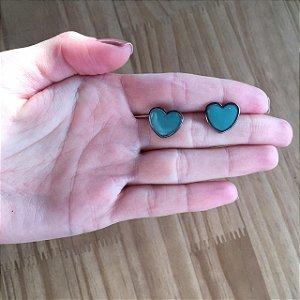 Brinco de coração esmaltado