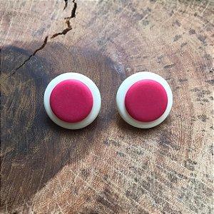 Brinco de Botão em Off White e Pink  Camila Vanni