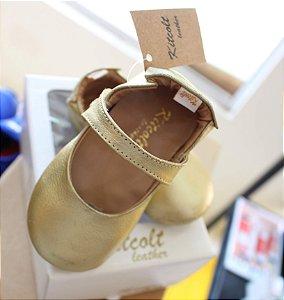 Sapatilha Dourada para bebê