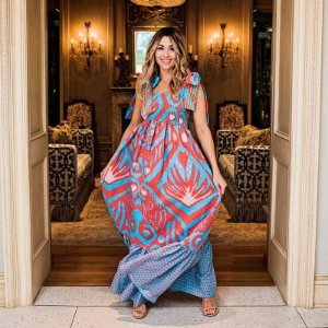 Vestido Feminino Longo Encorpado e Luxuoso de Alcinhas Deslumbrante