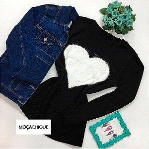 Blusa tricot preta coração