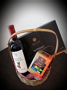 Cesta vinho e chocolates