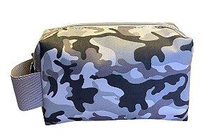 Necessaire quadradinha camuflado cinza com alça cinza
