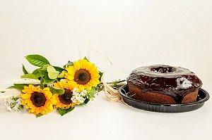 Bolo De Chocolate Com Arranjo De Girassol
