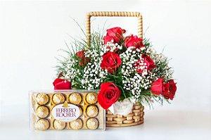 Cesta de 24 rosas vermelhas com Ferrero Rocher