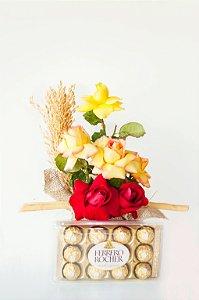 Luxuoso arranjo de flores nobres com ferrero rocher