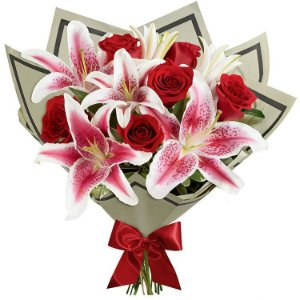 Luxuoso Buquê de Rosas com Lírios