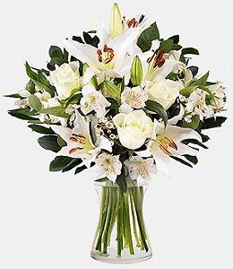 Luxuoso Arranjo De Lirios com Astromelias e Rosas Brancas