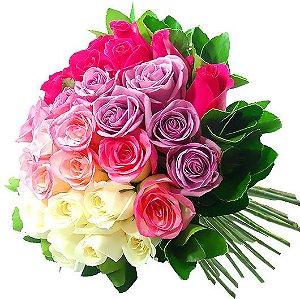Luxuoso Buque de 32 Rosas em Tons Degrade