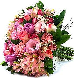 Luxuoso Buquê de 24 Flores Nobres