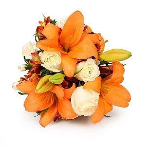 Buque Radiante com Flores Laranja e Branco