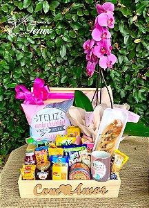 """Baú de Café """"Feliz Aniversário"""" com Orquídea"""