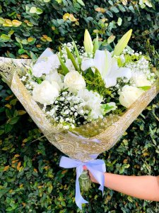 Buquê de Nobres Flores Brancas