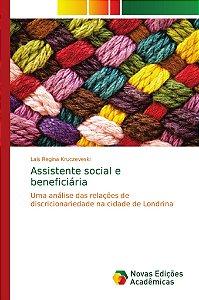 Assistente social e beneficiária