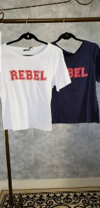 T SHIRT REBEL