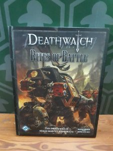 (3 LIVROS) DEATHWATCH: CORE RULEBOOK; RITES OF BATTLE; THE EMPEROR PROTECTS(MERCADO DE USADOS)