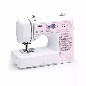 53d99c956 Máquina de Costura Brother SQ 9100 AutoVolt + Kit contendo Linhas e  Calcador Extra