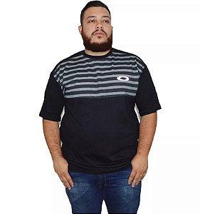 Camiseta Plus Size Masculina Listrada Preta