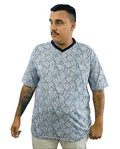 Camiseta Plus Size Masculina Bigmen Gola V Branca com Folhas Azuis
