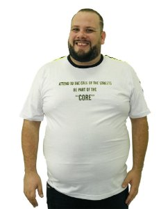 Camiseta Plus Size Masculina Overcore Branca