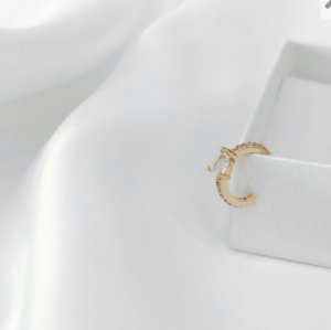 Piercing de Pressão Gotinha cristal dourado