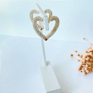 Argola articulada coração cravejada dourada