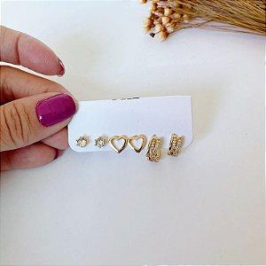 Kit de brincos pequenos argolinha cravejada, coração liso e ponto de luz dourado