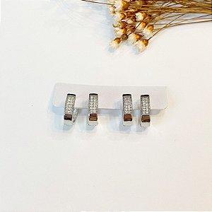 Kit de brincos duas argolinhas cravejadas grossas oval prata