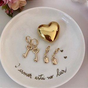 Argola Mini Dupla Chave e Cadeado Dourado