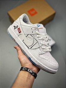 Tênis Nike SB Dunk Low Pro Branco/Azul Gelo e Vermelho