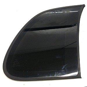 Vidro lateral fixo lado direito do Corsa Wind  4 portas