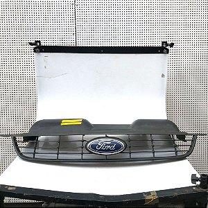 Grade frontal Ford Focus 09 à 13 - original recuperada