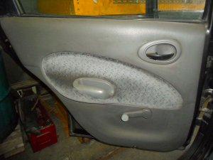 Forro de porta traseiro esquerdo Escort Zetec de 97 à 02