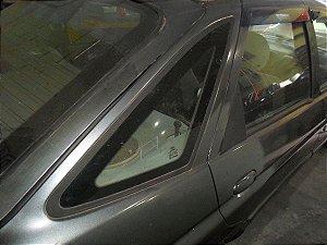 Vidro fixo traseiro direito Escort Zetec de 97 à 02