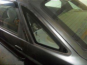 Vidro fixo traseiro esquerdo Escort Zetec de 97 à 02