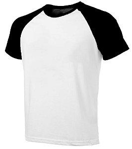 Camiseta Masculina Gola Redonda Manga Curta Modelo Raglan Preta com Corpo Branco 100% Poliéster para Sublimação - 01 Unidade