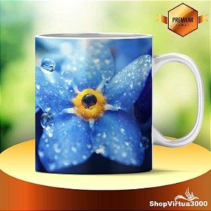 Caneca Cerâmica Classe +AAA Personalizada Flor Azul Zoom com Gotas d'agua - 01 Unidade