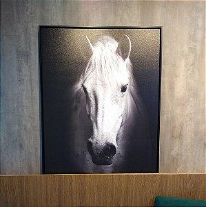 ENVIO IMEDIATO - Quadro decorativo Canvas Cavalo Branco 70x90cm (LxA) Moldura cor Preto estilo Canaleta
