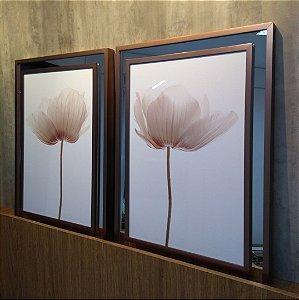 ENVIO IMEDIATO - Conjunto com 02 quadros decorativos Flores 50x70cm (LxA) Moldura cor Rose Gol sobrepostas em espelho