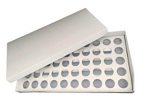 Caixa para 50 Brigadeiros com Berço 43 X 23 X 4 cm Branca com 1 un Eluhe Rizzo Confeitaria