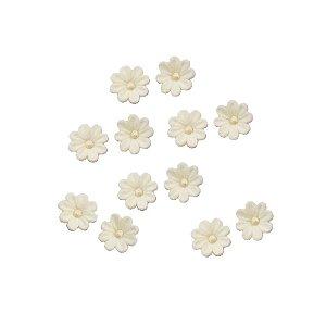 Confeitos Comestíveis Flor Branca - Flores e Encantos de Açúcar Rizzo Confeitaria