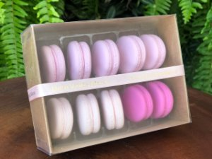 Caixa para 10 Macarons com Berço Ref. M10BCK Kraft - 10,5x14,5x5cm - 1 Unidade - San Felipo Rizzo Confeitaria