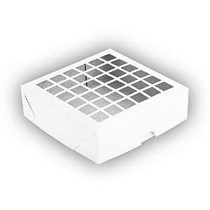 Caixa de Papel com Visor Vazada S3 (14cm x 14cm x 4cm) Branca 10 unidades Assk Rizzo Confeitaria