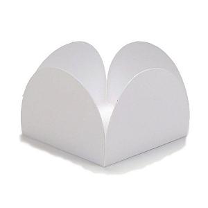 Forminha para Doces 4 Pétalas (3,5cm x 3,5cm x 2,5cm) Branca 50 unidades Assk Rizzo Confeitaria