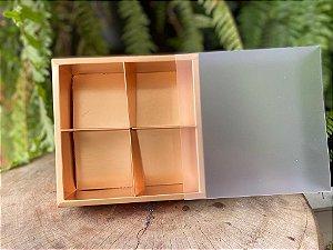 Caixa Pão de Mel Ouro Fosco 15,5x15,5x5cm com 4 divisões - 01 unidade - Rizzo Confeitaria