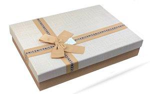 Caixa de Papel para Presente Laço Bege e Base Bege - 36 cm x 26 x 7 cm - 1 Unidade - Rizzo Confeitaria